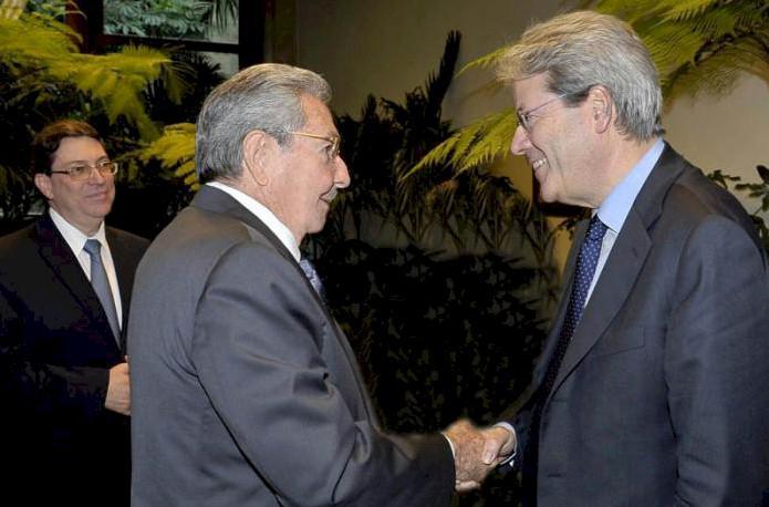 Raúl Castro Ruz und der Außenminister Italiens Paolo Gentiloni