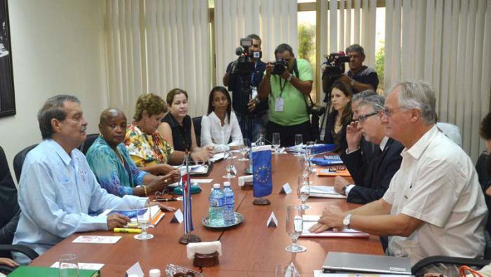 Verhandlungsteams Kubas und der Europäischen Union