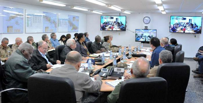 Gesundheitsministerium auf einer Videokonferenz