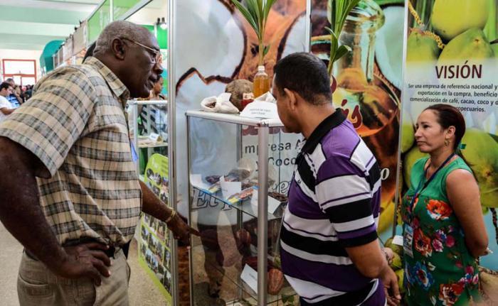 Kubanischer Vizeminister besucht Agrarmesse FIAGROP 2016