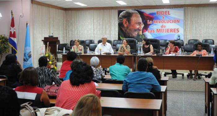 """Kolloquium """"Fidel und die Revolution der Frauen"""""""