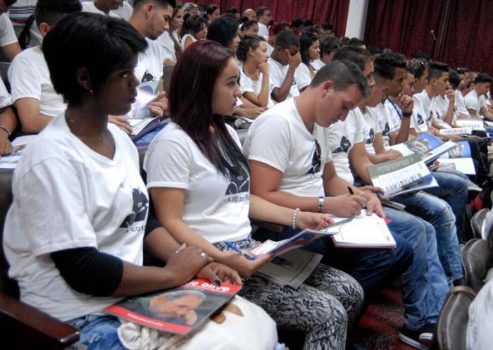 Sitzung des Nationalrats des Studentenverbandes (FEU)