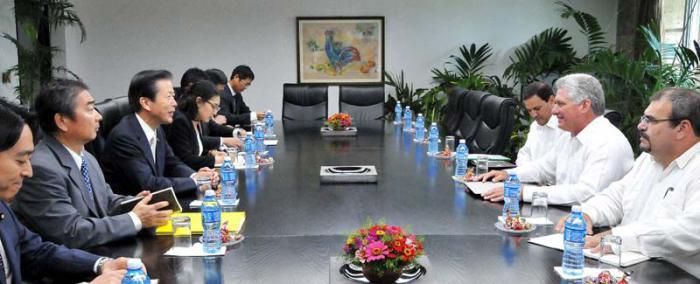 Díaz-Canel empfängt Präsidenten der japanischen Komeito Partei