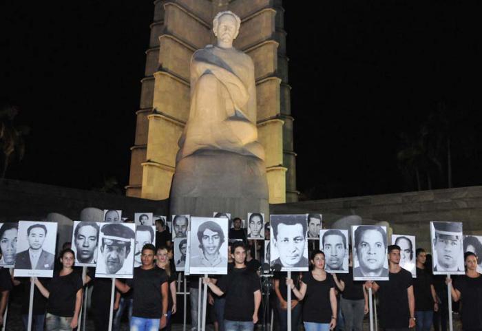 Mahnwache zur Ehrung der Opfer des Terrorismus