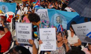Frauen gegen Blockade und Einmischung
