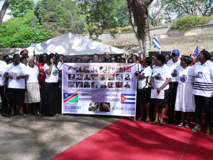 Tausende Menschen ehren Fidel in Namibia