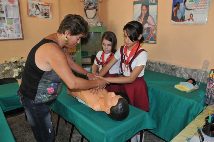 Kinder im Krankenpflege-Zirkel