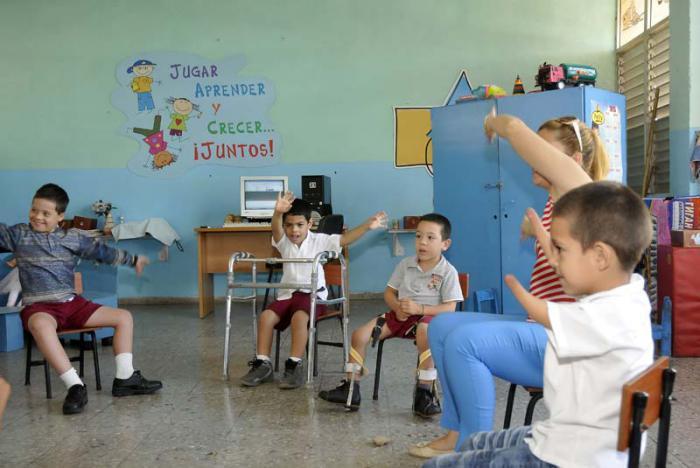 Unterstützung von Behinderten in Kuba