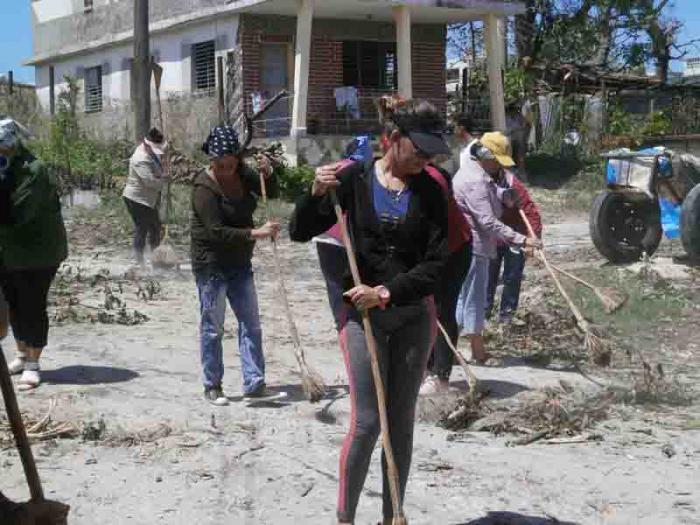 Arbeiten zur Sanierung nach Hurrikan Irma