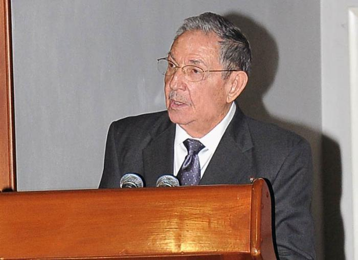 Raul Castro auf dem Sechsten Gipfel Caricom-Cuba