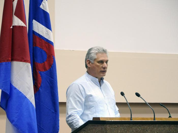 Díaz-Canel beim Abschluss des X. Kongresses der UPEC