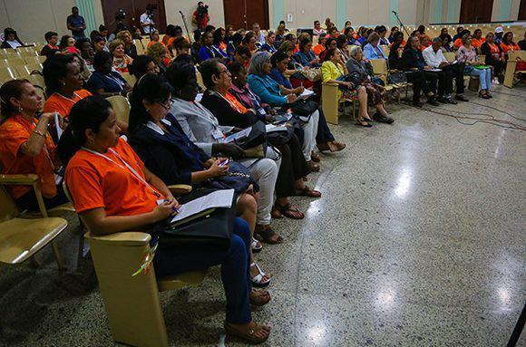 Díaz-Canel gratuliert den kubanischen Frauen zum Frauentag