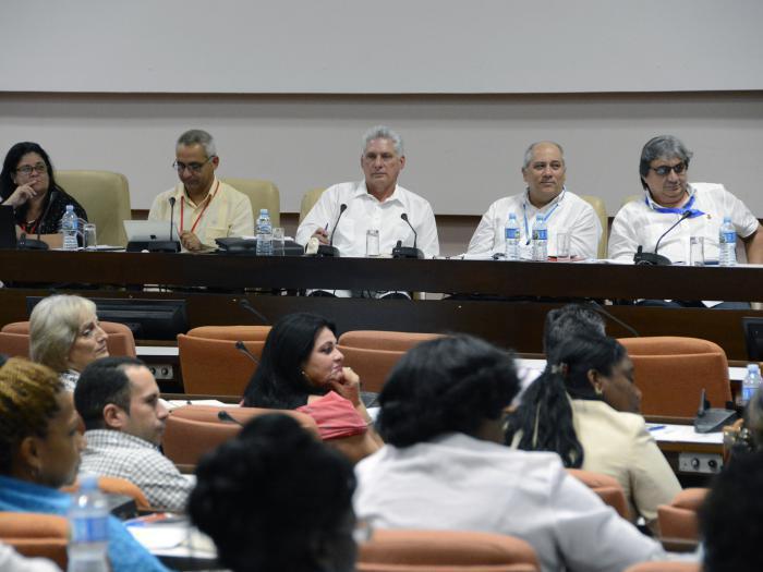 Ausschuss zur Überwachung von Dienstleistungen