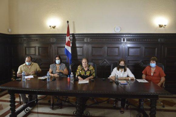 Kubanische und europäische Abgeordnete